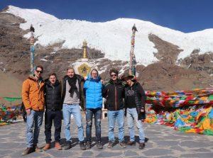Group tour visiting Karola Glaciers