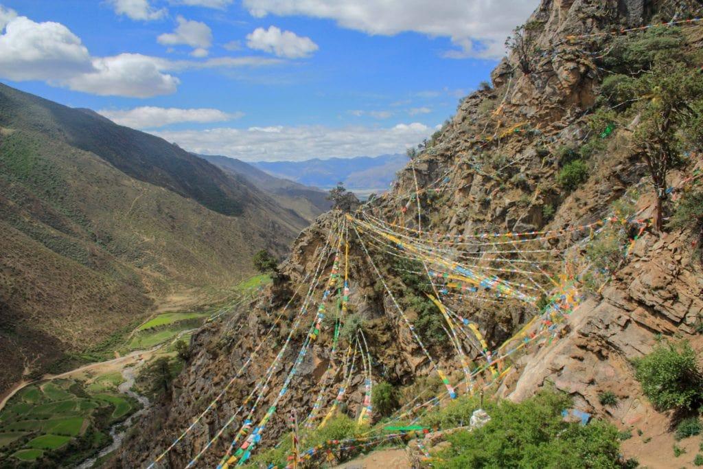 Yemalung valley onm the trek from Ganden to Samye