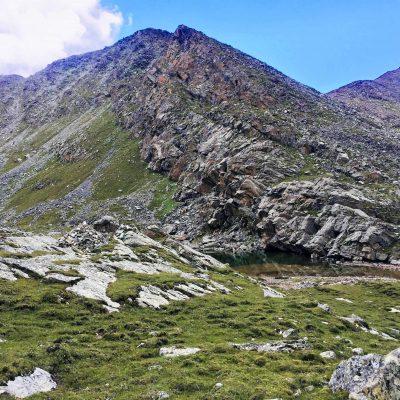 Alpine lake on the top of the Chitu-la Pass