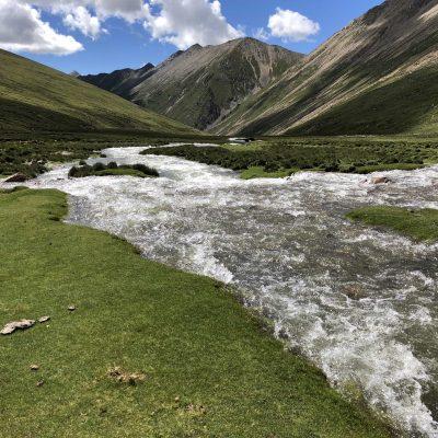 Trekking across Tsotup-chu valley in Tibet