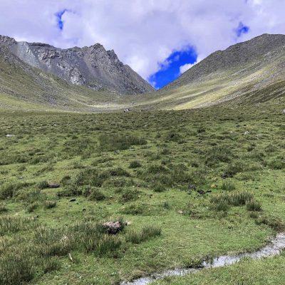 On the trek towards Chitu La Pass