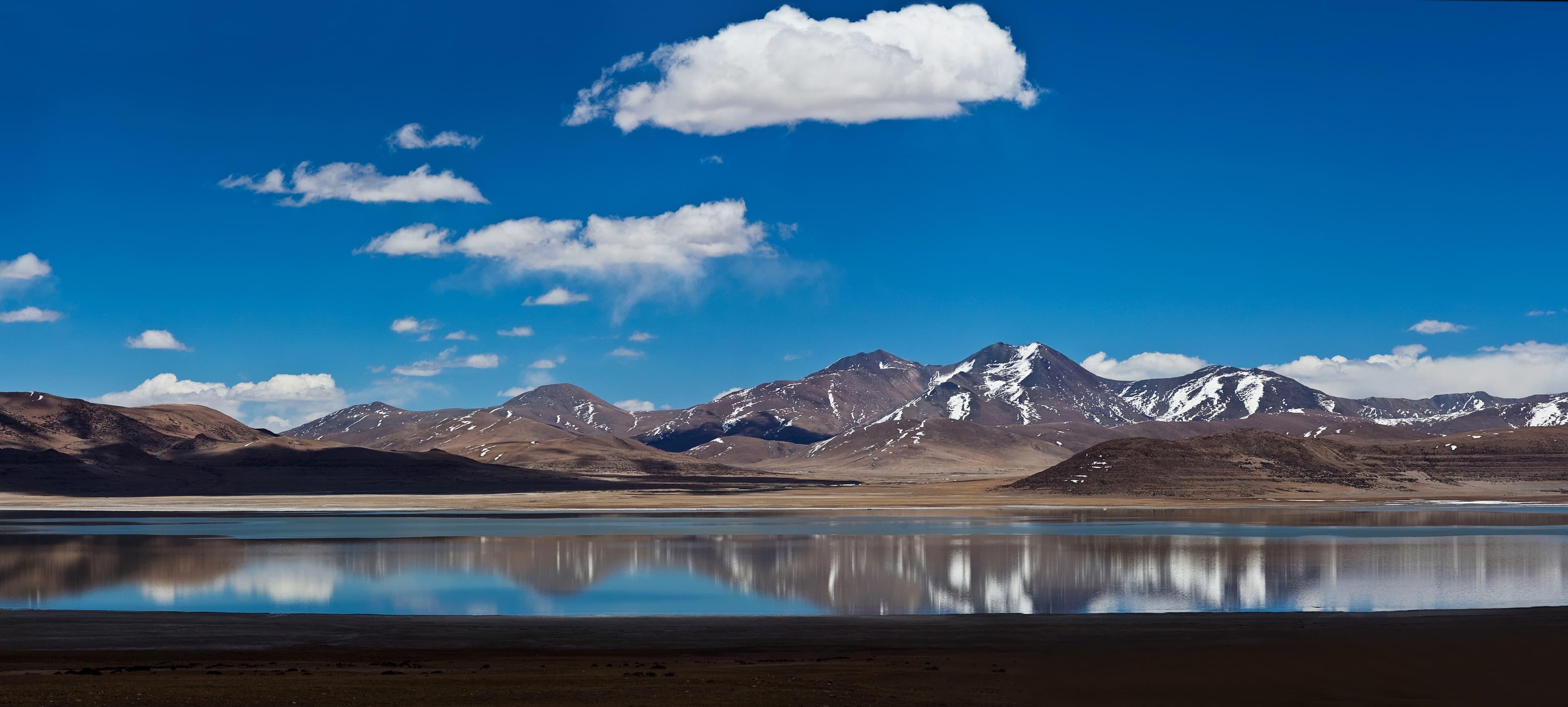 Phelku Tso Lake in Tibet