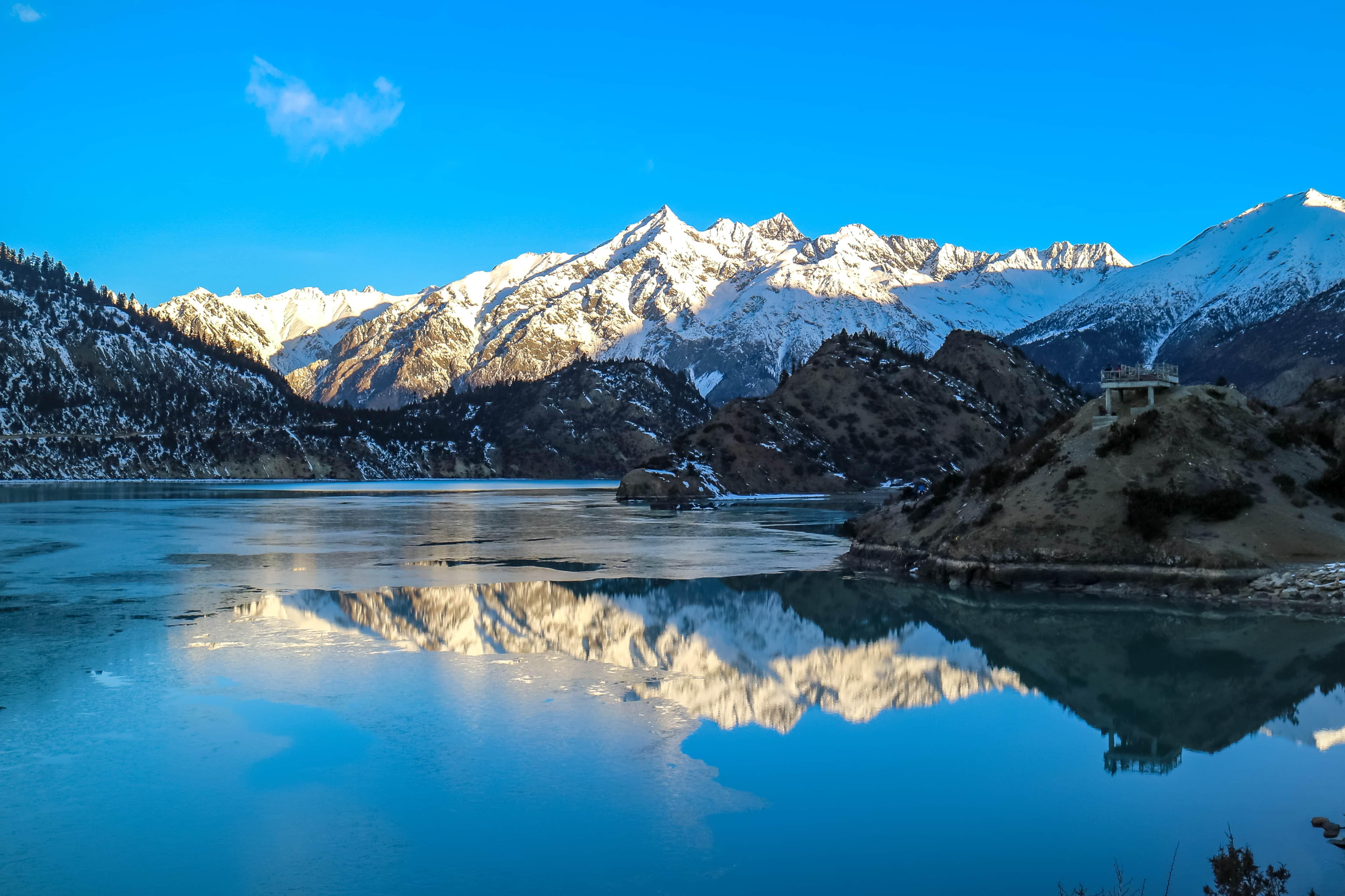 Ranwu Tso lake in Nyingchi, Eastern Tibet