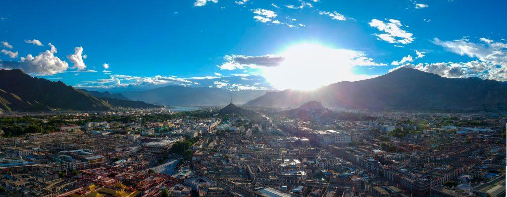 Вид на Лхасу сверху