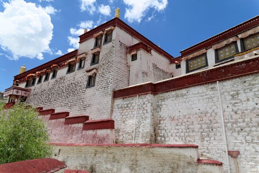 Chapel in Ganden monastrey complex, Ti