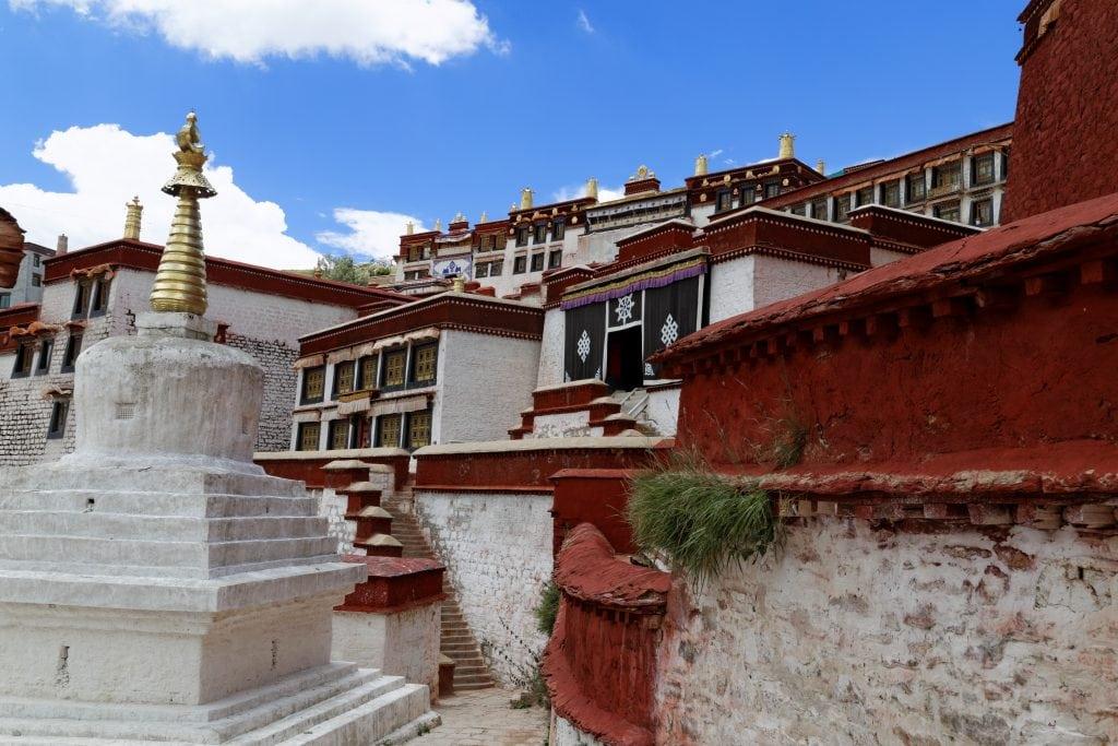 The-center-of-Ganden-Monastery-complex