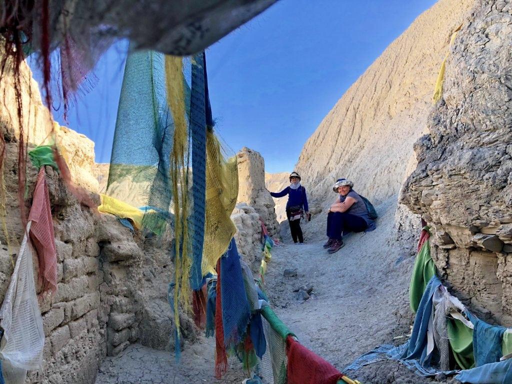 Tour visiting meditation caves in Guge Kingdom, Tibet