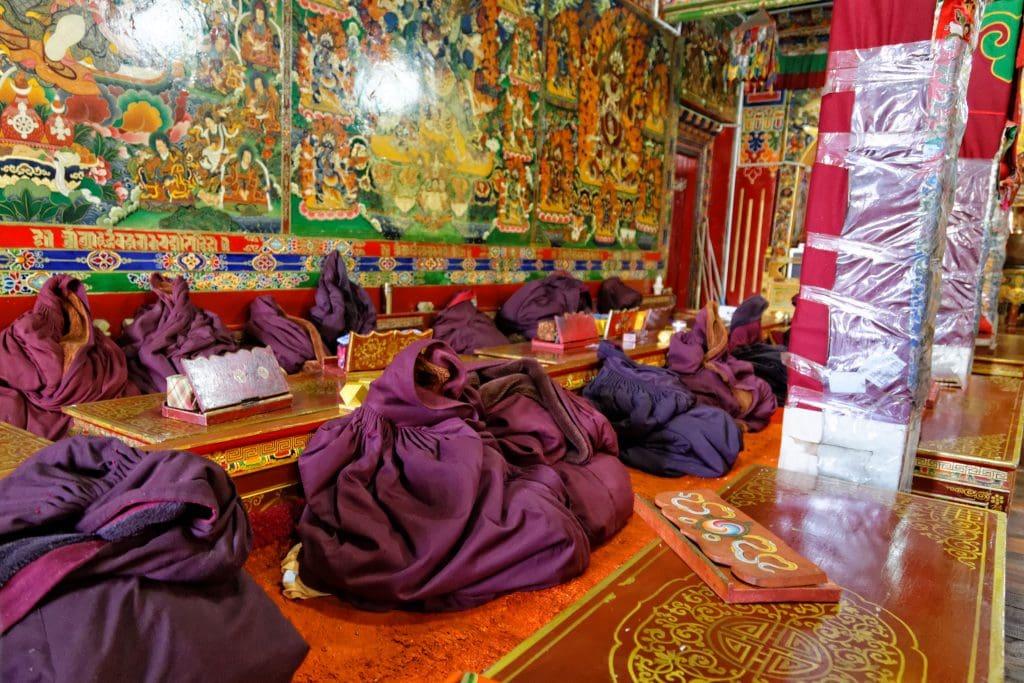 Nuns robes inside Shugsheb