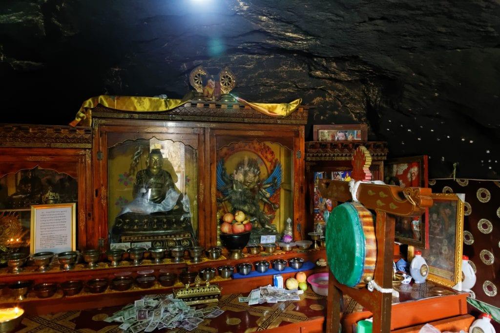 Statues in Meditation cave in Chimpu