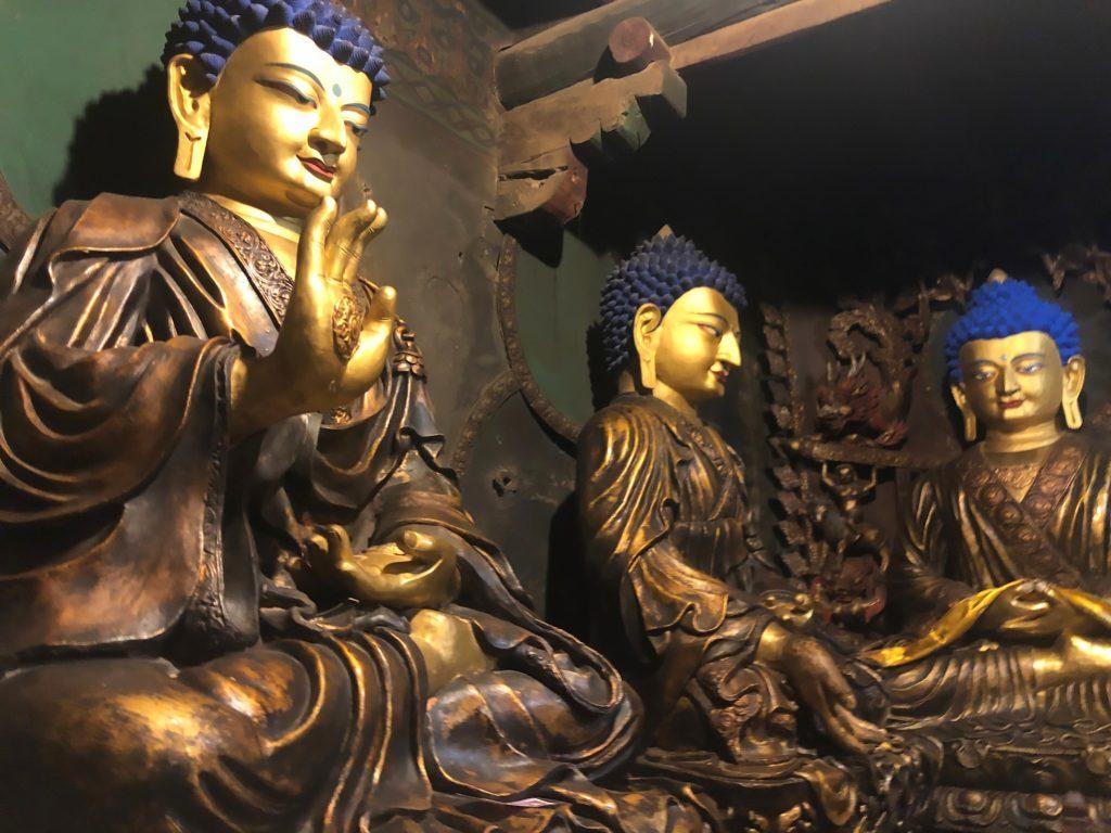 Buddha statues in Shalu monastery