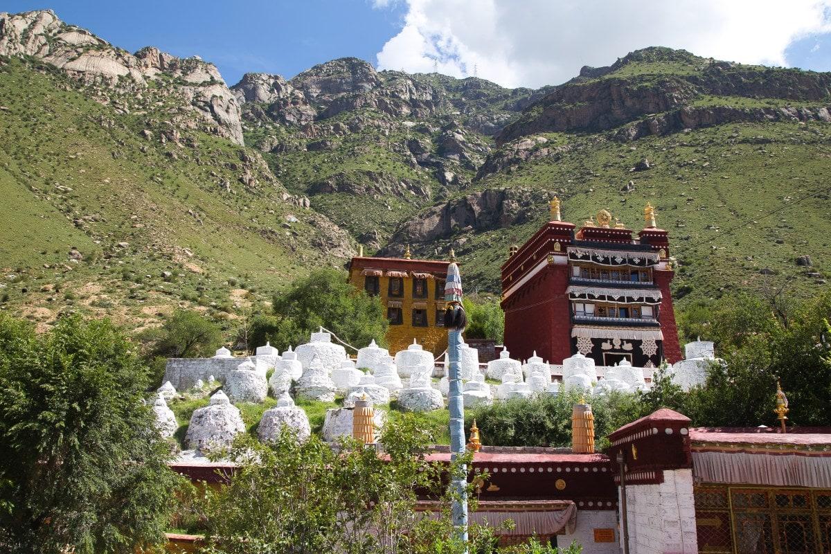 There were originally 108 stupas in Pabongka
