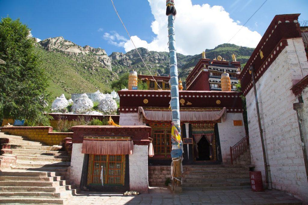 Tsongkhapa Chapel in Pabongka monastery